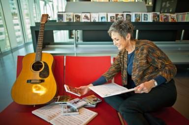 Boeken en muziek in de bibliotheek